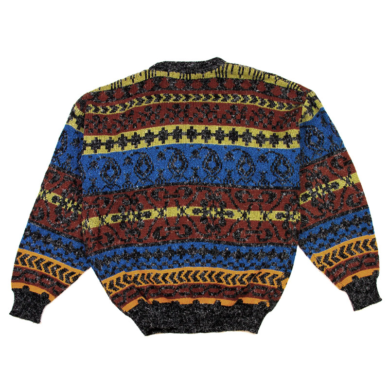 C5--busy-sweater---back