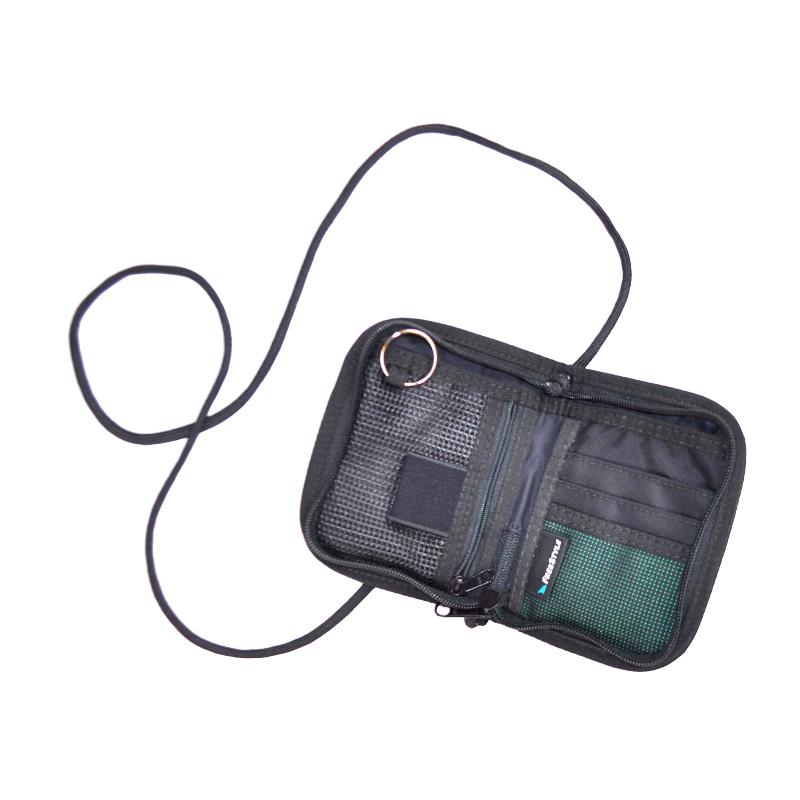 G30_green-bag-_-inside